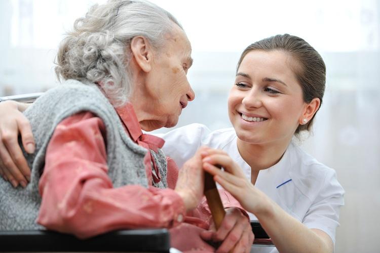 importancia da seleção do cuidador de idoso